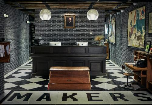The lobby or reception area at Makers Hotel