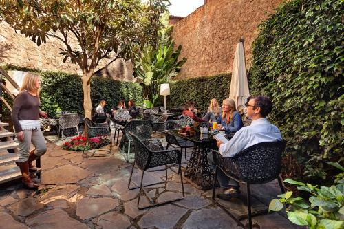 Guests staying at Olivia Plaza Hotel