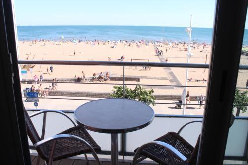 A balcony or terrace at Hotel Mira-Mar