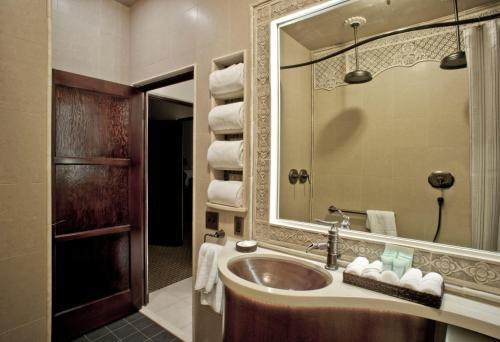 パンタイ インにあるバスルーム
