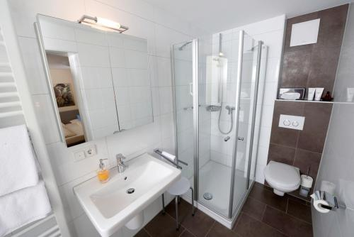 A bathroom at Franziskaner
