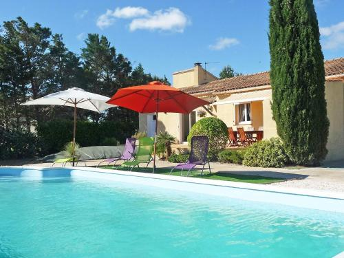 Het zwembad bij of vlak bij Holiday Home La Maison du Verger