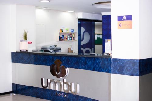 O saguão ou recepção de Umbu Hotel Porto Alegre Centro Histórico