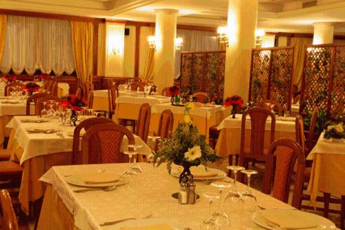 A restaurant or other place to eat at Hotel Ristorante Al Boschetto