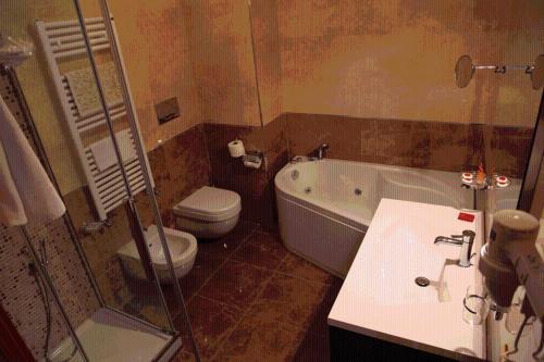 A bathroom at Hotel Ristorante Al Boschetto