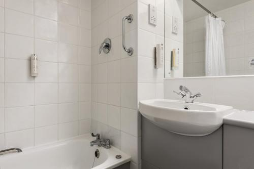 A bathroom at Days Inn Bridgend Cardiff