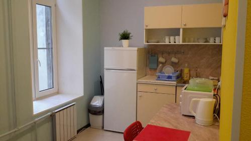 Кухня или мини-кухня в Краски