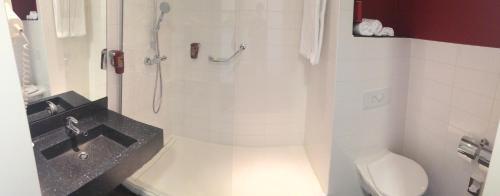 Een badkamer bij Park Inn by Radisson Amsterdam Airport Schiphol