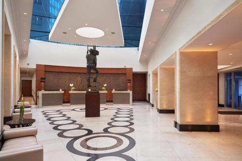 The lobby or reception area at Conrad London St James