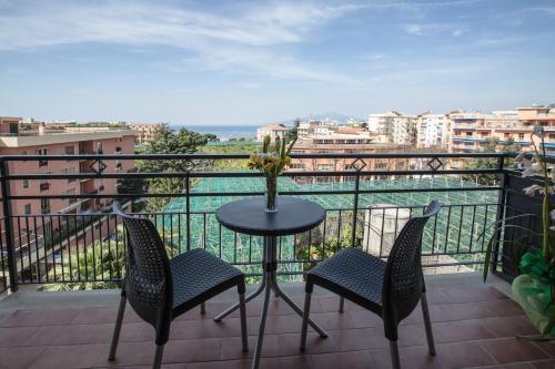 A balcony or terrace at Sea Room Sorrento