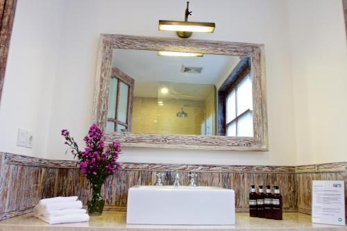 A bathroom at OK Divers Resort & Spa
