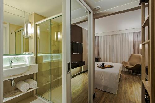 A bathroom at Hotel Atlantico Prime