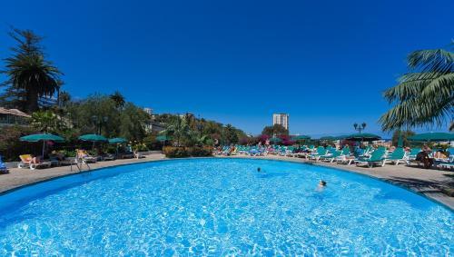 Het zwembad bij of vlak bij Hotel El Tope
