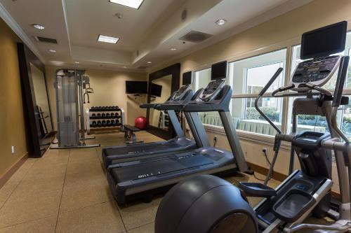 The fitness center and/or fitness facilities at Hilton Garden Inn San Mateo