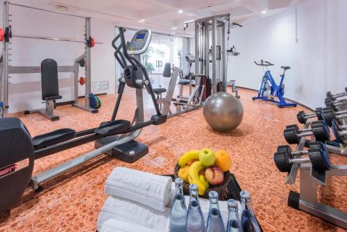 Gimnasio o instalaciones de fitness de Hotel Cala Font