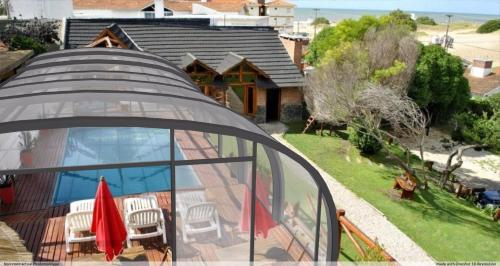 Una vista de la pileta en Loma Escondida Apart Cabañas & Spa o alrededores