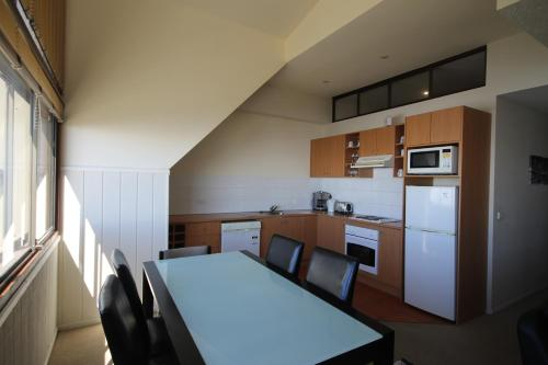 A kitchen or kitchenette at Arlberg Hotham