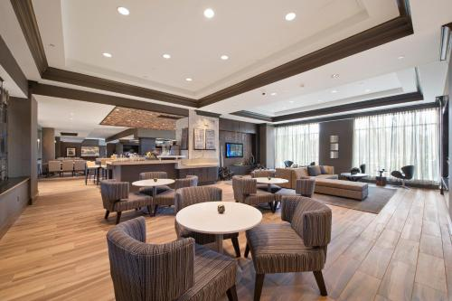 A restaurant or other place to eat at Bridgewater Marriott