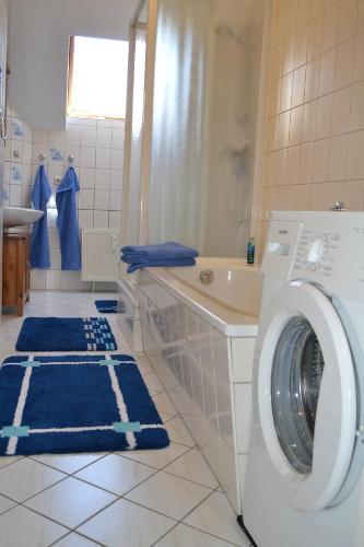 Ein Badezimmer in der Unterkunft Ferienwohnung Schleussig