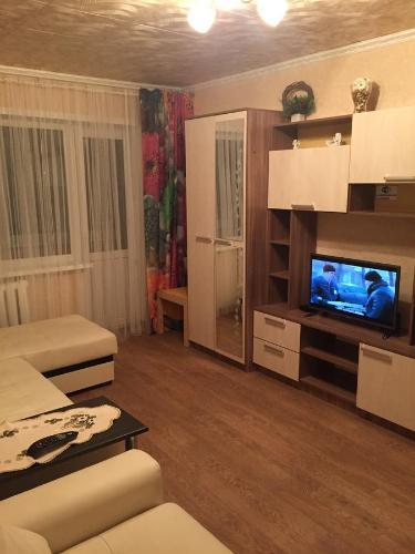 Телевизор и/или развлекательный центр в Apartment Frunze 23