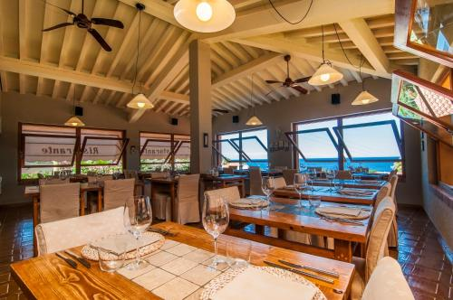 A restaurant or other place to eat at Hotel Cernia Isola Botanica