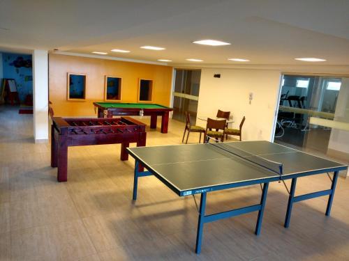 Ping-pong facilities at Flat na Beira Mar do Cabo Branco or nearby