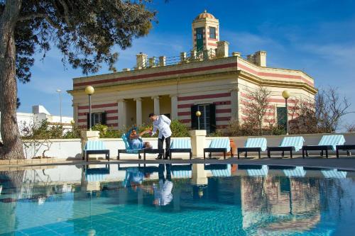 The swimming pool at or near Hotel Terminal - Caroli Hotels
