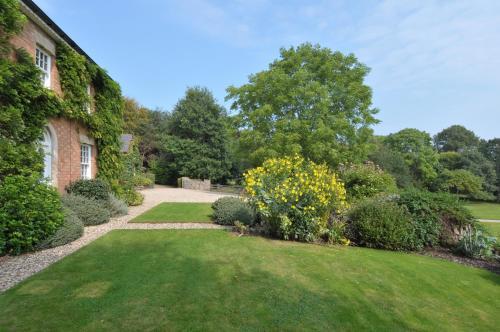 A garden outside Redmarley Bed & Breakfast