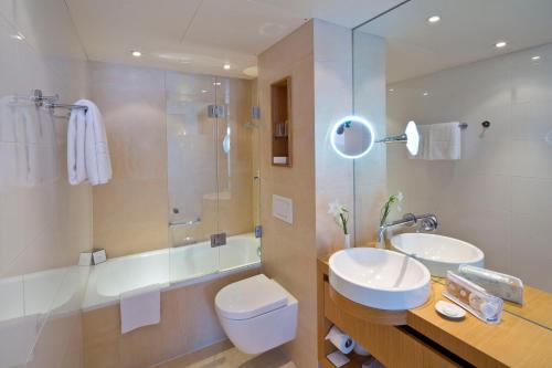 Ein Badezimmer in der Unterkunft Hotel Maximilian - Stadthaus Penz