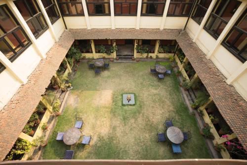 Vista de la piscina de Planet Bhaktapur Hotel o alrededores