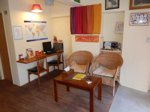 A seating area at Hostel Q