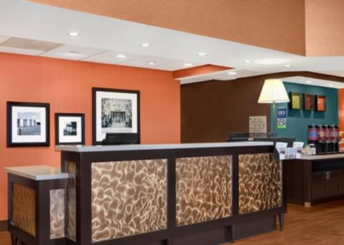 The lobby or reception area at Hampton Inn Chicago-Midway Airport