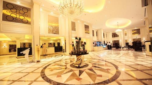 O saguão ou recepção de Grand Park Hotel