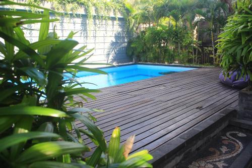 The swimming pool at or near Letos Kubu 1