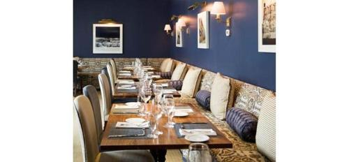 A restaurant or other place to eat at The Quogue Club