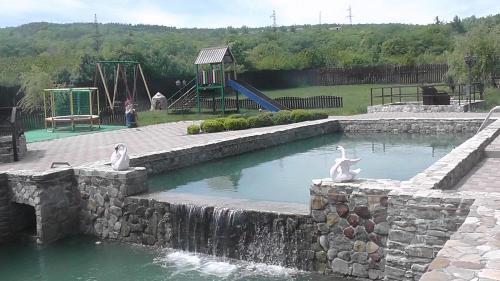 Бассейн в Усадьба Мармазинская щель или поблизости