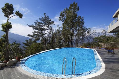 The swimming pool at or close to Sinclairs Retreat Kalimpong