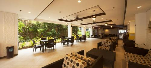 A restaurant or other place to eat at Microtel by Wyndham Boracay