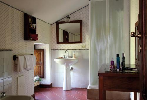 A bathroom at Il Granaio dei Casabella