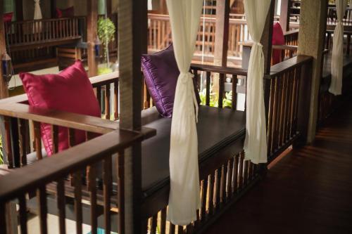 A balcony or terrace at Ban Chang Tong