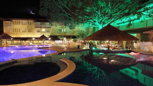 A piscina localizada em Hotel Mantovani ou nos arredores