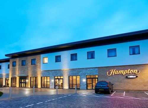 The facade or entrance of Hampton by Hilton Oxford