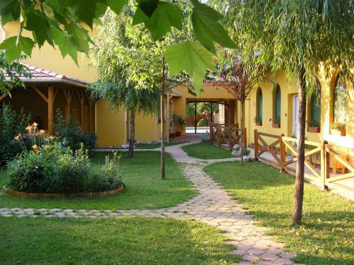 A garden outside Karpatia Panzio