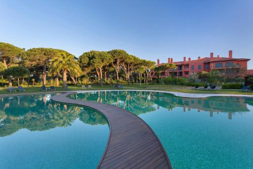The swimming pool at or near Sheraton Cascais Resort - Hotel & Residences