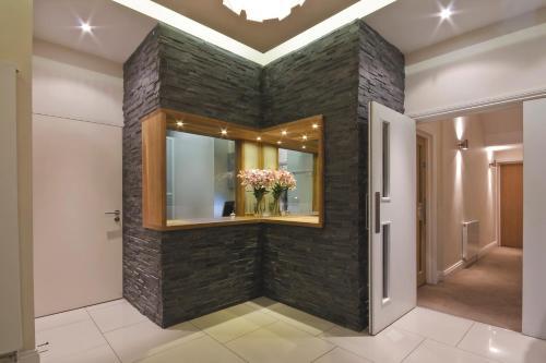 Lobbyn eller receptionsområdet på Queens Hotel