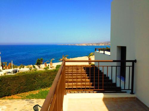 Een balkon of terras bij Aura Holiday Villas