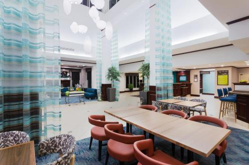 A restaurant or other place to eat at Hilton Garden Inn Annapolis