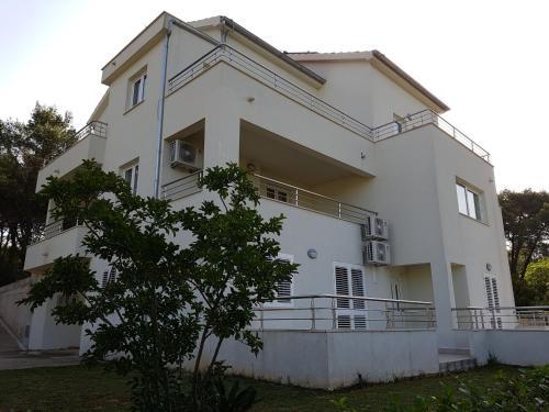 Apartments Villa Maslinica