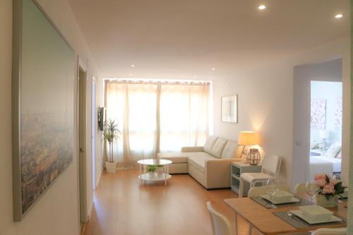 En sittgrupp på Apartment Sky Cervantes