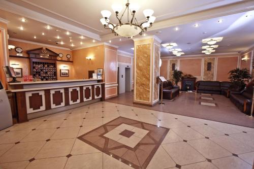 Лобби или стойка регистрации в АМАКС Премьер-отель